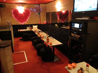 神田 Pub Club strawberry